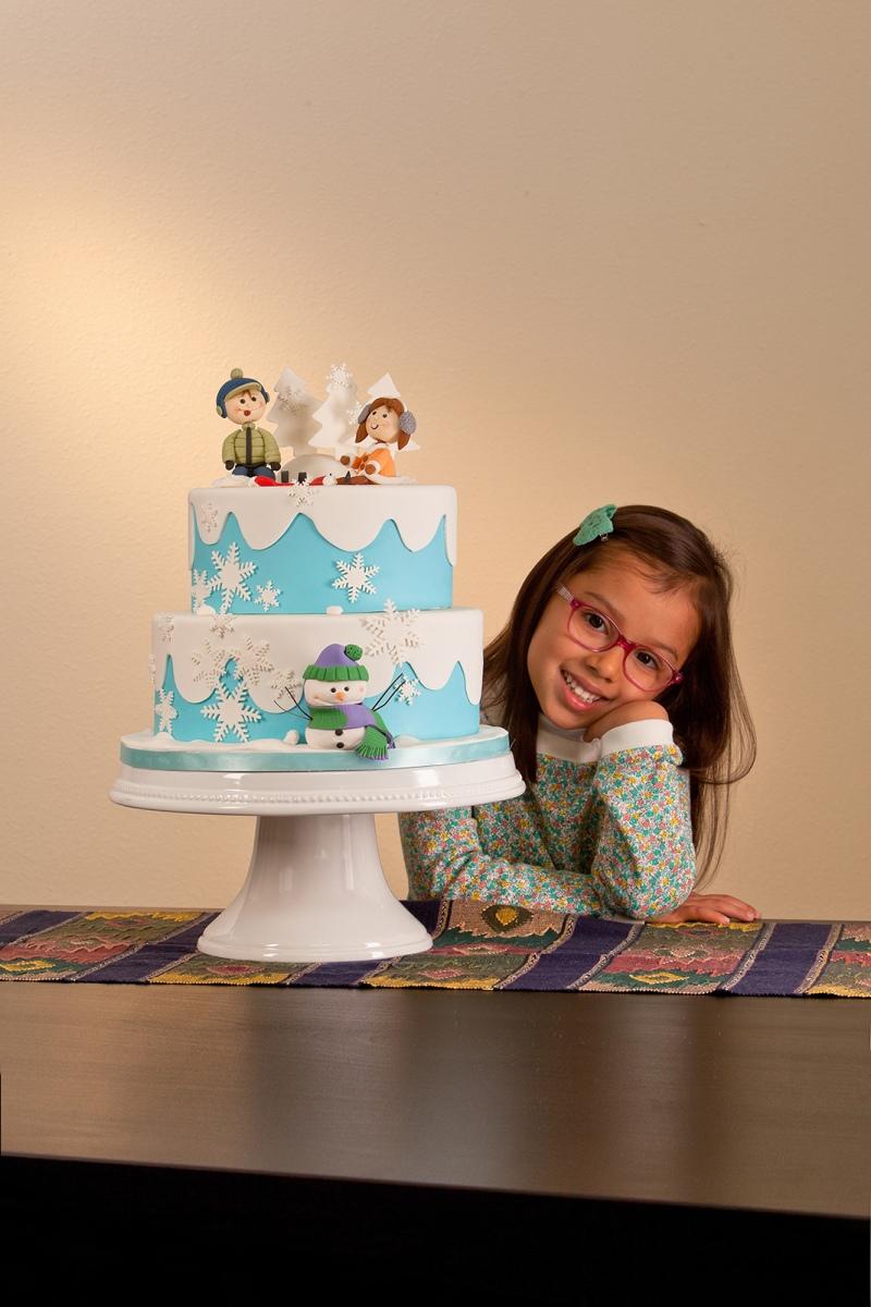 Editorial Story Cake Decorating